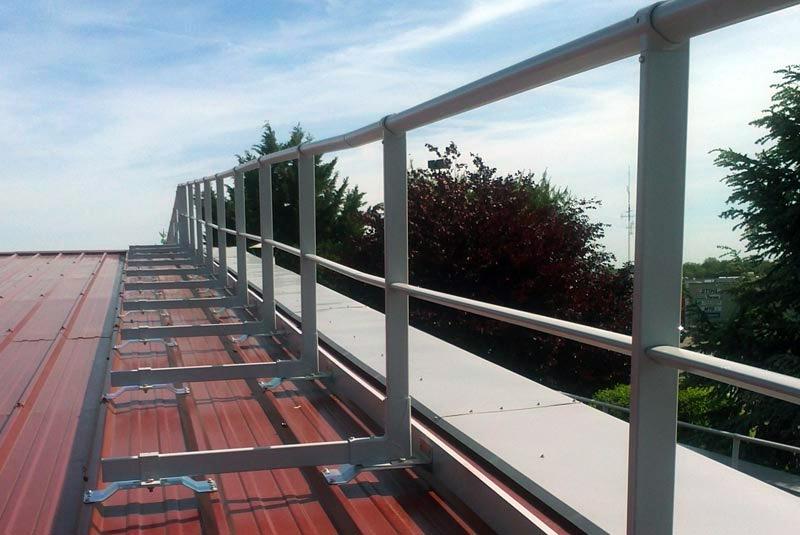 garde corps toiture terrasse systme de fixation en mtal. Black Bedroom Furniture Sets. Home Design Ideas